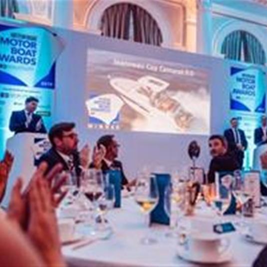 The Center Console and Walk Around CAP CAMARATS 9.0 won the 2019 Motor Boat Award!
