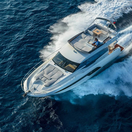 THE PRESTIGE 590, FINALIST IN THE 2019 BEST OF BOATS AWARDS!
